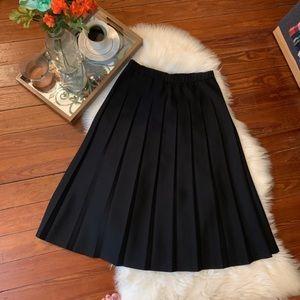 Vintage Midi black pleat school girl full skirt s